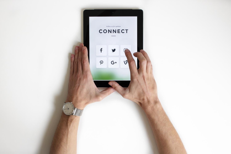 Lier votre bannière mail à vos réseaux sociaux